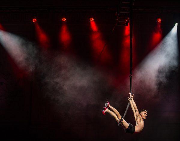 Jarred Dewey in the air. Photo by Merdith OShea.